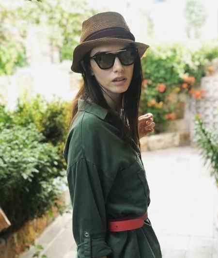 بیوگرافی بازیگر نقش نازلی در سریال قرص ماه (4)