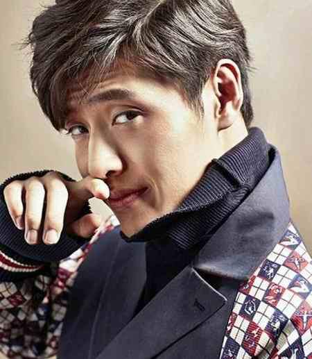 بیوگرافی بازیگر نقش وانگ ووک در سریال عاشقان ماه (11)