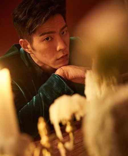 بیوگرافی بازیگر نقش وانگ یو شاهزاده سوم در عاشقان ماه (2)