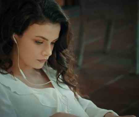 بیوگرافی بازیگر نقش گلثوم در سریال عشق سیاه و سفید (1)