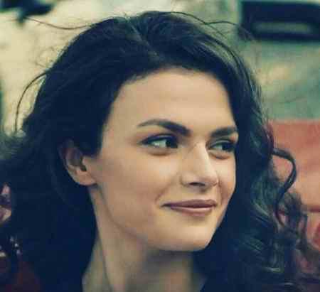 بیوگرافی بازیگر نقش گلثوم در سریال عشق سیاه و سفید (4)