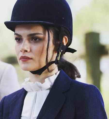 بیوگرافی بازیگر نقش گلثوم در سریال عشق سیاه و سفید (5)