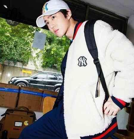 بیوگرافی سوهو کیم جون میون خواننده گروه اکسو (1)