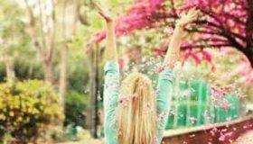 چگونه میتوانیم شاد زندگی کنیم