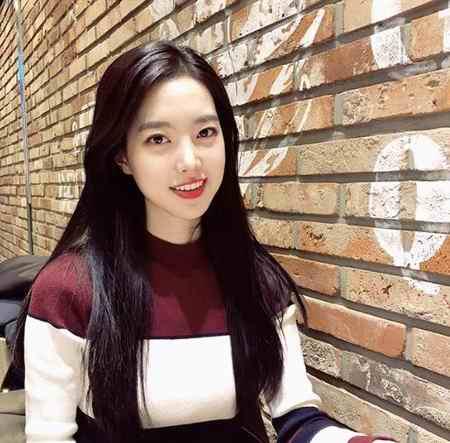 بیوگرافی بازیگر نقش اوک نیو در سریال اوک نیو (5)