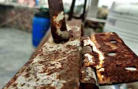 تحقیق درباره آهن زنگ نزن (1)