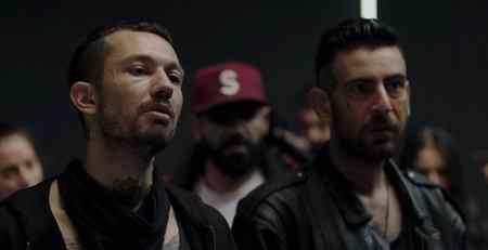 عکس بازیگران سریال ترکی مردگان 4 عکس بازیگران سریال ترکی مردگان