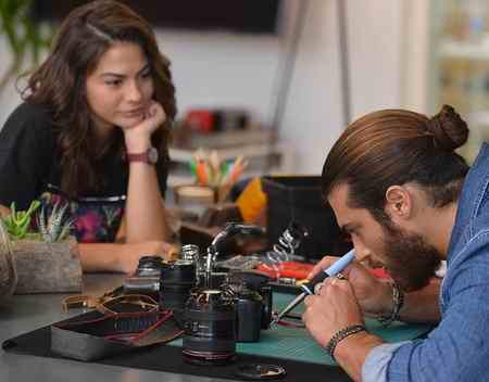 عکس بازیگران سریال ترکی پرنده خوش اقبال 7 عکس بازیگران سریال ترکی پرنده خوش اقبال