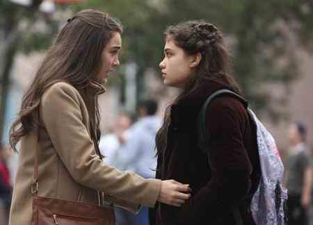 عکس بازیگران سریال ترکی گل پری 4 عکس بازیگران سریال ترکی گل پری