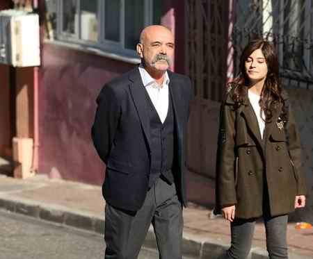 عکس بازیگران سریال ترکی گودال 9 عکس بازیگران سریال ترکی گودال