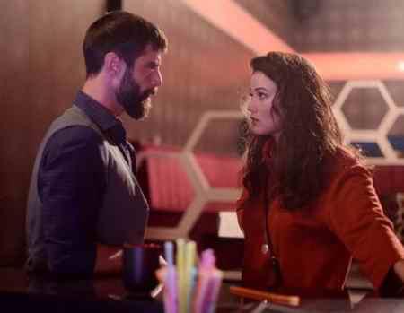 عکس بازیگران سریال ترکی یک تند باد 2 عکس بازیگران سریال ترکی یک تند باد