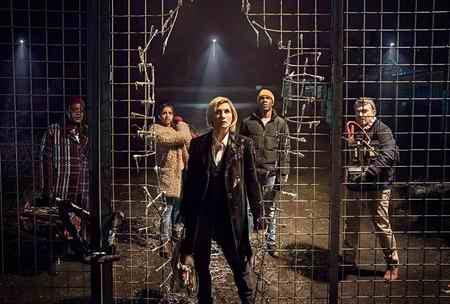 عکس بازیگران سریال Doctor Who خلاصه داستان 2 عکس بازیگران سریال Doctor Who + خلاصه داستان