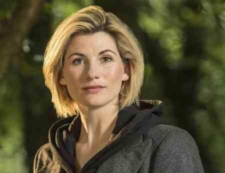 عکس بازیگران سریال Doctor Who خلاصه داستان 5 عکس بازیگران سریال Doctor Who + خلاصه داستان