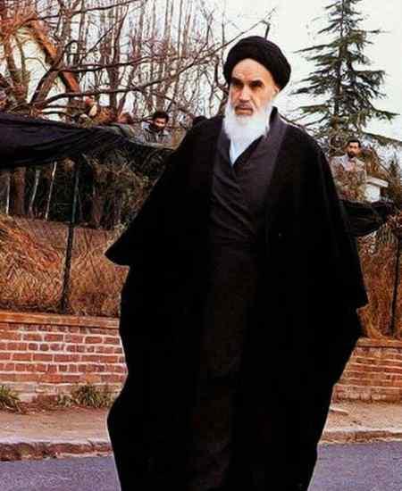 امام خمینی زن را در انسان سازی با چه چیزی مساوی دانسته