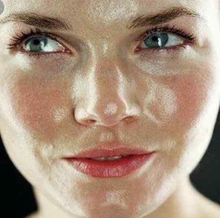 چرا پوست ما مرطوب می شود
