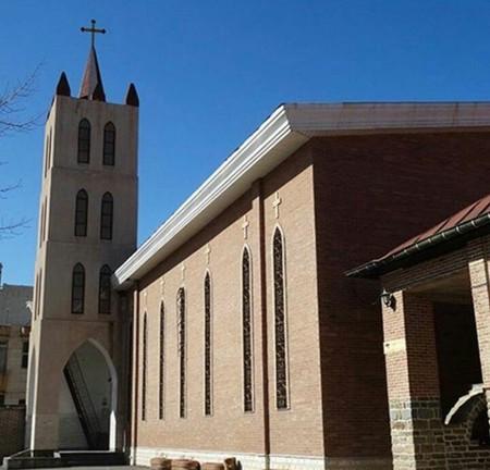 کلیسای ننه مریم در کدام شهر است