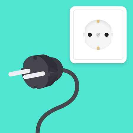 جدا کردن دوشاخه دستگاه از پریز برق