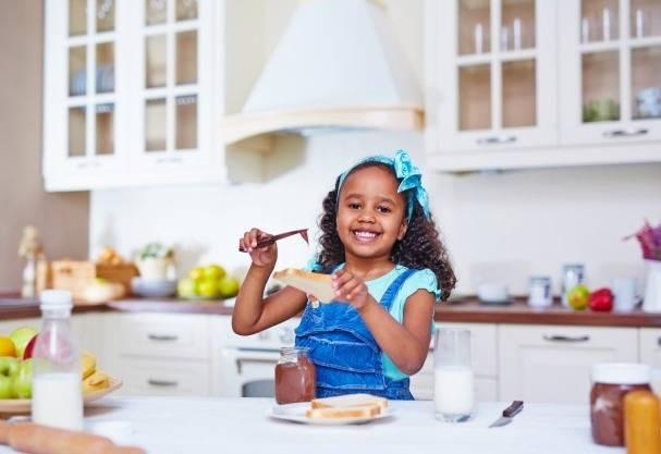12 روش برای راحت تر و زود بیدار شدن کودکان برای مدرسه