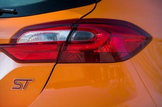 بررسی خودروی فورد فیستا ST پرفورمنس ادیشن