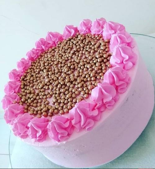 کیک های خاص با تم صورتی