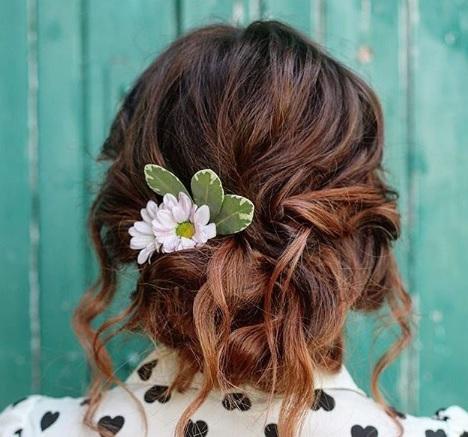 شنیون های زیبا با عطر گل
