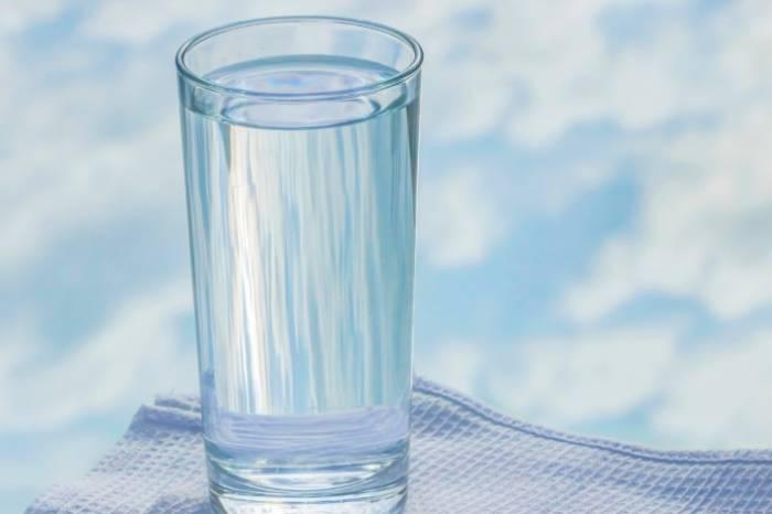 معجزه شفابخش نوشیدن اب ولرم در درمان بیماری ها • مجله اینترنتی فارسی ها