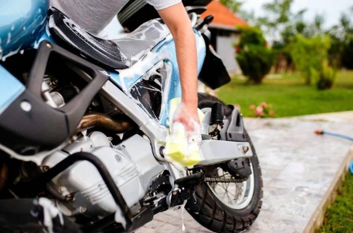 نحوه شستشوی موتور سیکلت