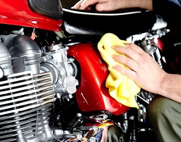 پاک کردن موتورسیکلت