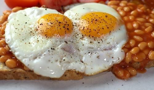 تخم مرغ و لوبیا