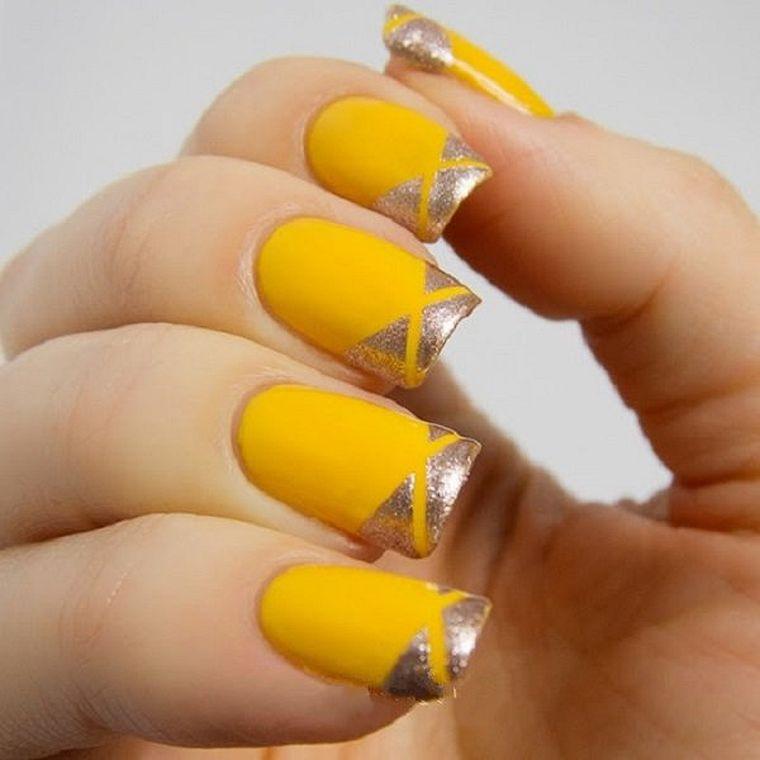 طراحی ناخن با تم زرد،شیک و زیبا
