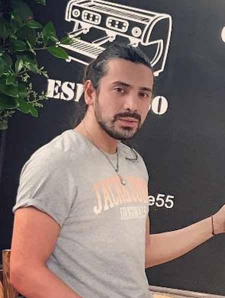 بیوگرافی امیر عباس گلاب خواننده (7)