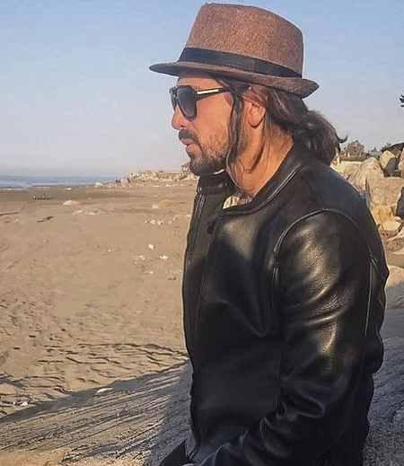 بیوگرافی امیر عباس گلاب خواننده (8)