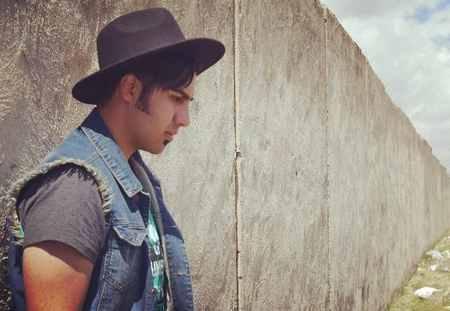 عکس های رهام هادیان خواننده ماکان باند (2)