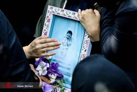 مراسم تشییع جنازه و خاکسپاری بنیتا (6)