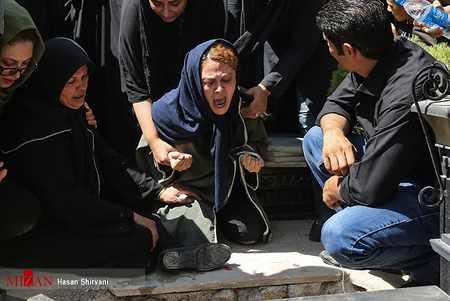 مراسم تشییع جنازه و خاکسپاری بنیتا (7)