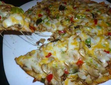 طرز تهیه پیتزا چیکن با سس باربیکیو