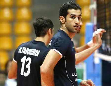 بیوگرافی رضا قرا والیبالیست ایران و همسرش (4)