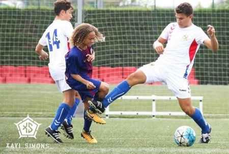 بیوگرافی و عکس های ژاوی سیمونز بازیکن بارسلونا (10)
