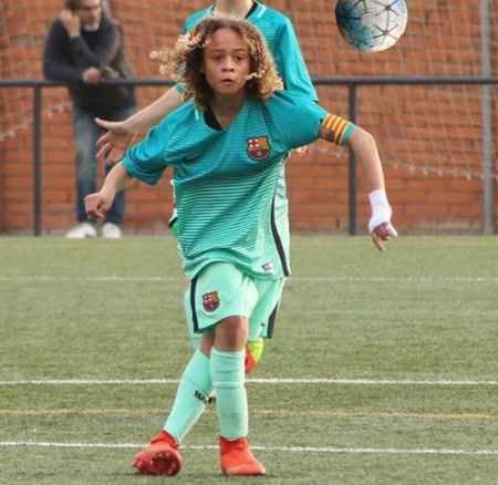 بیوگرافی و عکس های ژاوی سیمونز بازیکن بارسلونا (3)