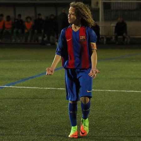 بیوگرافی و عکس های ژاوی سیمونز بازیکن بارسلونا (5)