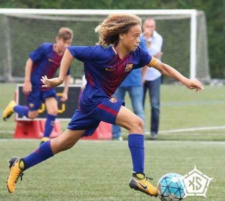 بیوگرافی و عکس های ژاوی سیمونز بازیکن بارسلونا (6)