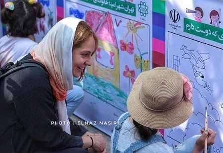 عکس مهناز افشار در جشنواره طولانی ترین نقاشی کشور (1)