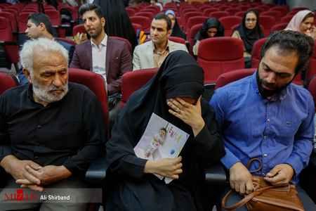 پدر و مادر بنیتا در جلسه دادگاه محاکمه قاتلان دخترشان (2)
