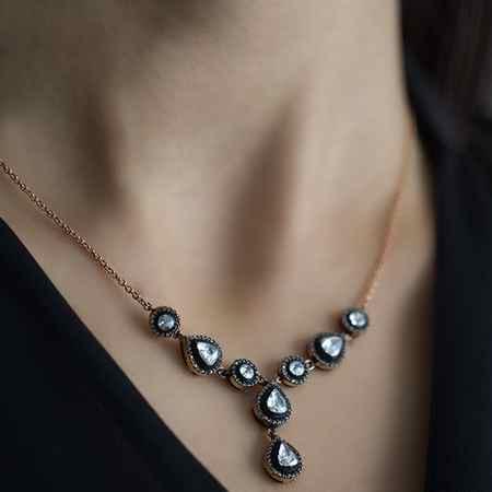 طلا و جواهرات سریال کاخ نشینان + گوشواره و گردنبند آیشن (28)