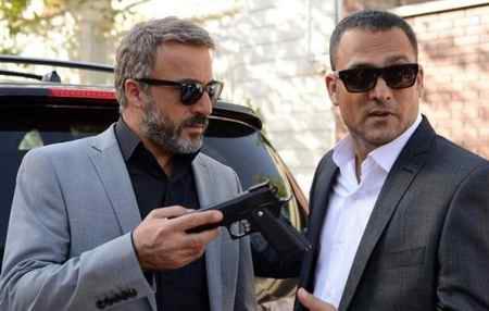 داستان و بازیگران سریال عالیجناب در شبکه خانگی (1)
