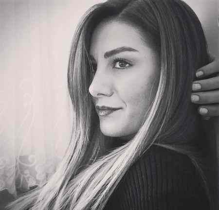 عکس های آسیه در سریال زندگی گمشده و بیوگرافی اوزلم یلماز (5)