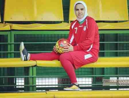 بیوگرافی فرشته کریمی بازیکن فوتسال زنان ایران (6)