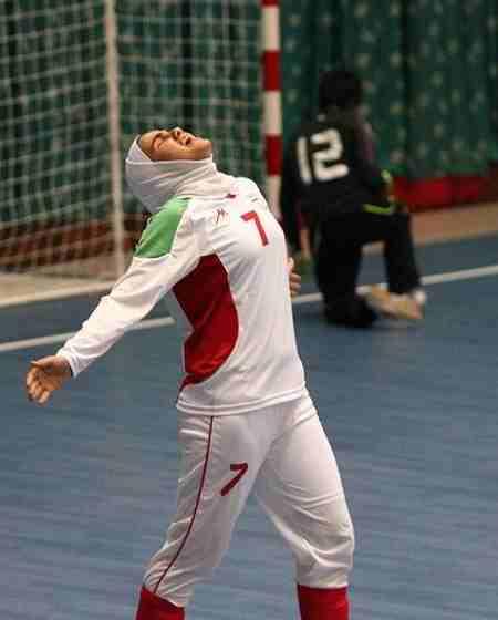بیوگرافی فرشته کریمی بازیکن فوتسال زنان ایران (7)