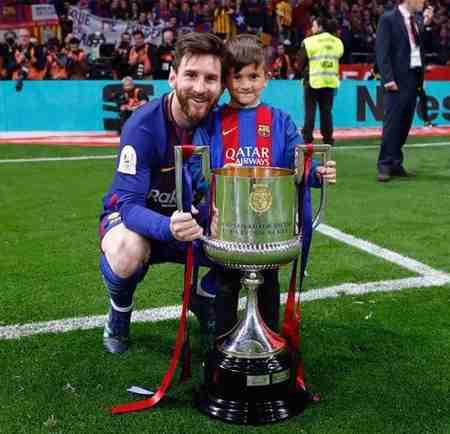 بیوگرافی لیونل مسی فوق ستاره بارسلونا و همسرش (2)