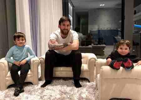 بیوگرافی لیونل مسی فوق ستاره بارسلونا و همسرش (7)